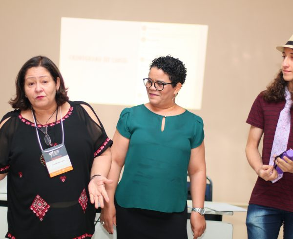 Lialda mostra as facilidades do ensino da matemática com o software geoGebra