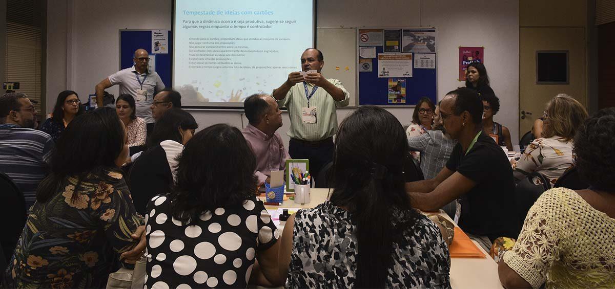 Workshop sobre design thinking no Encontro Pedagógico