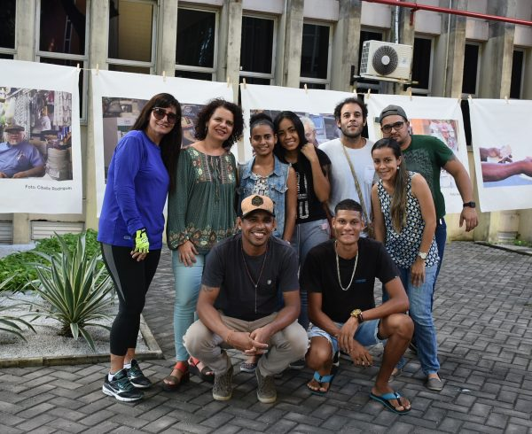 Alunos da Exposição Mercado no Mural